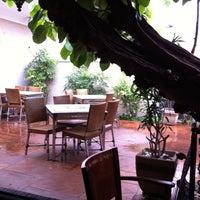 Foto tirada no(a) Cabaña Restaurante por Melissa L. em 10/30/2011