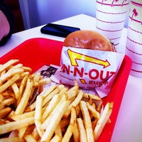 Photo taken at In-N-Out Burger by Bill W. on 11/23/2011