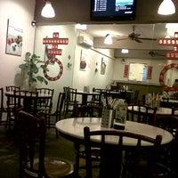 Photo taken at Old Kawan Kopitiam by Liss S. on 1/17/2012
