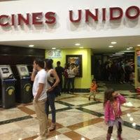 Das Foto wurde bei Cines Unidos von Gustavo R. am 5/2/2012 aufgenommen