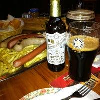 รูปภาพถ่ายที่ Cervecería l'Europe โดย Deigote y. เมื่อ 5/19/2011