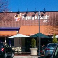 Das Foto wurde bei The Flying Biscuit von Jessie B. am 2/15/2012 aufgenommen