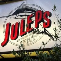 Das Foto wurde bei Julep's New York Bar & Restaurant von Arjen N. am 7/16/2012 aufgenommen
