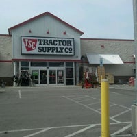 Photo prise au Tractor Supply Co. - Temporarily Closed par Danielle B. le5/12/2012