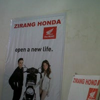 Photo taken at Zirang Honda by Chu B. on 9/10/2011