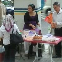 Photo taken at Nasi Lemak & Fried Beehoon by Ery R. on 12/19/2011
