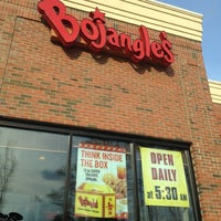 Photo taken at Bojangles' Famous Chicken 'n Biscuits by @LorenzoAgustin ☆ on 3/15/2012