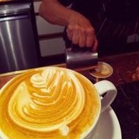 Снимок сделан в The Conservatory for Coffee, Tea & Cocoa пользователем Casey M. 10/25/2011
