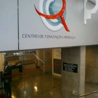 Photo taken at Centro de Convenções Rebouças by Wlademir M. on 4/16/2012