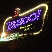 Photo taken at Yahoo! Sign by Greg C. on 11/24/2011