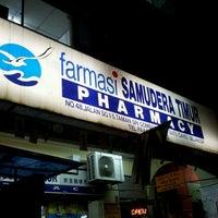 Photo taken at Farmasi Samudera Timur by Zalini L. Z. on 6/21/2012
