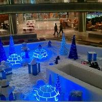 12/25/2011 tarihinde 🔱M. A. B.ziyaretçi tarafından Galleria'de çekilen fotoğraf