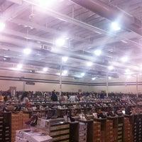 Photo taken at DSW Designer Shoe Warehouse by Niru R. on 7/28/2012
