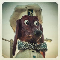 Photo taken at Doggie Diner Head by Lisa D. on 6/7/2012