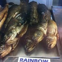 Foto tomada en Calumet Fisheries por Robert K. E. el 6/6/2012