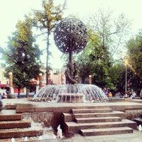 Снимок сделан в Фонтан-памятник «Адам и Ева под Райским деревом» пользователем Andrei B. 6/14/2012