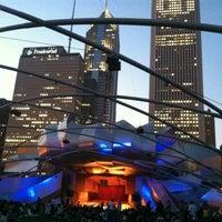 8/3/2012 tarihinde Bob O.ziyaretçi tarafından Jay Pritzker Pavilion'de çekilen fotoğraf