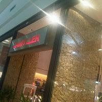 Foto tirada no(a) Damyller por Alexandre Novelletto em 10/10/2011