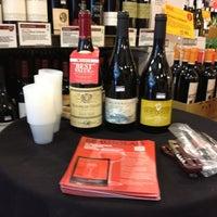 Das Foto wurde bei Whole Foods Wine Store von Flow Wine N. am 8/11/2012 aufgenommen