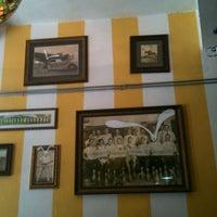 Photo taken at Abracadabra by Yamille P. on 9/5/2012