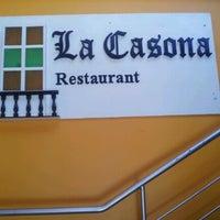 Foto tomada en La Casona Restaurant por A♥h♡ly T. el 9/5/2012