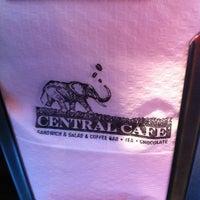 6/25/2012에 Javiacos님이 Central Cafe에서 찍은 사진