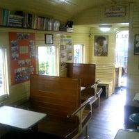 Photo taken at ห้องสมุดตู้รถไฟเยาวชน by กระสวย จ. on 9/5/2012