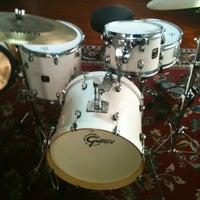 Photo taken at Drum Time - Escola de Bateria e Percussão by Joel J. on 4/10/2012