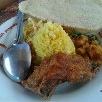 Photo taken at Sunday Morning (SUNMOR) UGM by rakhmawati k. on 6/17/2012