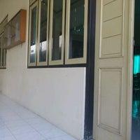 Photo taken at Akademi Analis Kesehatan Manggala by Hesti I. on 3/9/2012