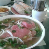 Photo taken at Pho Bac by siamkittie on 5/31/2012
