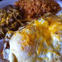Foto tomada en California Burrito Express por Cynthia C. el 6/2/2012