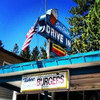 5/28/2012にjennifer w.がSno-Flake Drive-Inで撮った写真