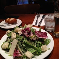 Photo taken at ウエストパークカフェ 羽田店 West Park Cafe by masahide a. on 5/16/2012