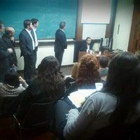 รูปภาพถ่ายที่ FCEFyN โดย Javier C. เมื่อ 8/16/2012