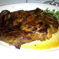 Photo taken at Morton's Steakhouse by Tony R. on 7/13/2012