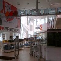 Photo taken at Tienda PREMIER by Ricardo S. on 3/5/2012
