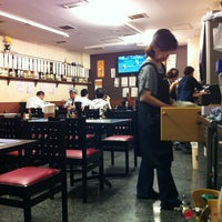 Photo taken at うどん処 与力 by ulfulguts on 8/21/2012