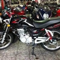 Foto tirada no(a) Moto Shopping - Suzuki por Adriano F. em 7/17/2012
