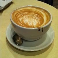 Das Foto wurde bei WOYTON von Alexandra S. am 5/11/2012 aufgenommen