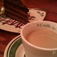Photo taken at Olive Garden by William C. on 7/31/2012