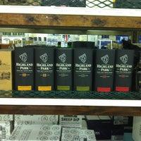 Foto tirada no(a) Goody Goody Liquor por Azaletch S. em 6/1/2012