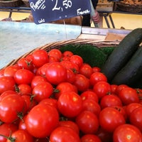 Photo taken at Marché des Chartrons by Clawdey A. on 5/6/2012