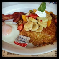 Photo taken at Panama Restaurant y Pasteleria by Grace J. on 5/20/2012
