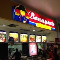 Photo taken at Bonaparte by Marcelino P. on 8/14/2012