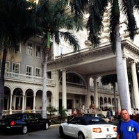 Photo taken at Moana Surfrider, A Westin Resort & Spa, Waikiki Beach by cybeck .. on 2/25/2012
