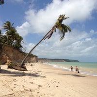 Foto tirada no(a) Praia do Carro Quebrado por Leonardo P. em 3/15/2012