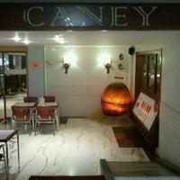Foto tomada en Restaurante Caney por Susana P. el 3/14/2012