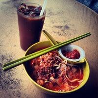 Photo taken at Restoran Yong Len by Jason O. on 7/22/2012