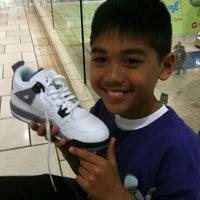 Photo taken at Kids Foot Locker by Earl H. on 2/25/2012